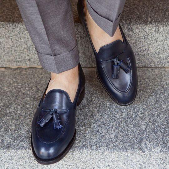 ローファー素足履きスタイル